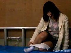 Sweet japanese girl loves fingering herself in a solo vid.