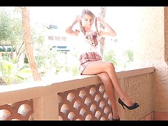 Solo fun public with the naughty blonde teen Amie