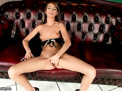 Brunette Betty Stylle has some time to rub her pussy