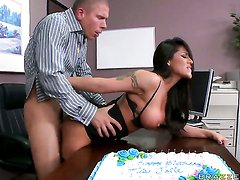 Jenaveve Jolie with juicy melons loses control after