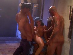 Alektra Blu gets her mouth and pussy fucked hard in MMF clip