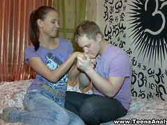An amateur teen gets fucked by her BF in a bedroom