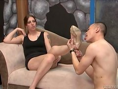 A tranny and an Asian guy suck each others penises