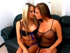 Filthy Babes Take Cum In Mouth In Hot FFM Threesome