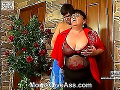 Victoria&Adam anal mom in action