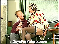 Jessica&Adrian kinky mom in action