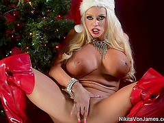 Nikita Von James celebrates Christmas with her pussy