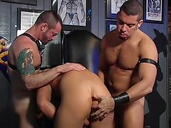 Kinky threesome - Daddy Oohhh Productions