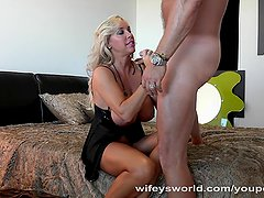 Wifey Milks Cum On Her Face After Fucking