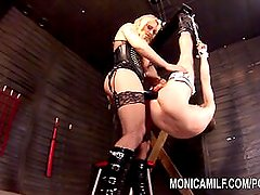 Monicamilf pegging and strapon stretching of her sub - Norsk femdom