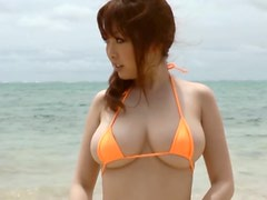 Culo lindo - Hot Beach Scene With The Asian Babe Rio Hamasaki Wearing A Two Piece