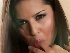 Sunny Leone having a good time playing around with her beautiful pussy