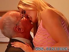 Mommy younger pussy first time Paul hard drill Christen