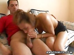 Amateur girlfriend toys and sucks with creamy facial