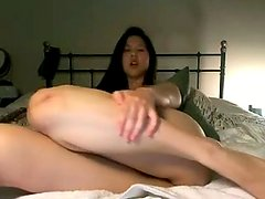 horny asian camgirl jerking her clit