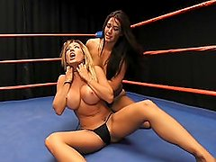 Catfight Capri v Eva