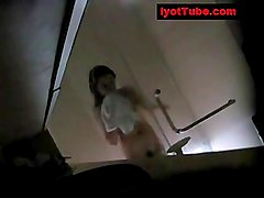 Dalagitang pinay na hidden cam sa shower room