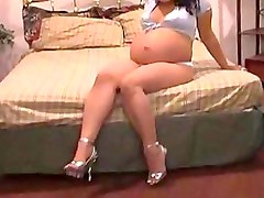 Big Belly of 19 years Latina Nicole