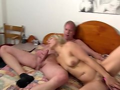 REIFE SWINGER - Amateur German swinger Elif O. taking anal like a pro