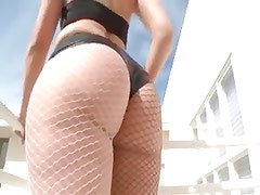 Gorgeous Rose reveals a large luxury ass