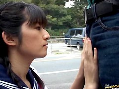 Petite Asian Slut Kazuha Mizumori Gives An Outdoor Blowjob