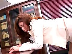 Sakiko Mihara gets fingered in her mature cunt before fucking