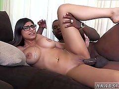 Cheating wife gives blowjob xxx Mia Khalifa