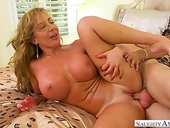 Mom Richelle Ryan Touches Herself And Looks At His Son
