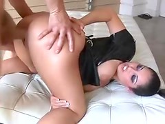 Hottie with perfect ass gets a hard fucking