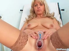 Mature girl in stockings sees her doctor