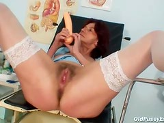 Glorious hairy mature pussy is hot stuff