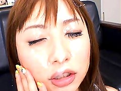 Kokomi Naruse enjoys giving blowjobs to horny asian men