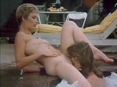 Retro lesbian sex in the hot tub