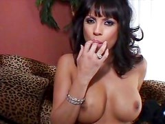 Horny blackhaired MILF pussy rubbing