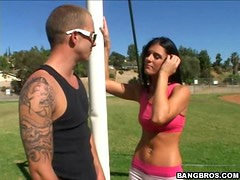 Sexy Babe Gets Her Trainer to Suck Her Pussy