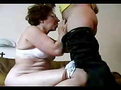 Grandma suck and cumshot to man