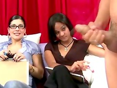 Three bad CFNM hot babes watch guy jerk off to target