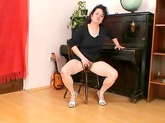 Aged mommy hedvika curly pussy sex toy fucking