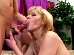 Saggy mature chick fucked by young dick