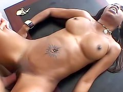 Black chick fuck and cum in mouth