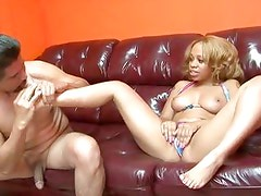 Melrose Foxxx makes her man worship her feet