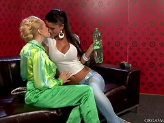 Wet and Rough Lesbo Lovers Toying Each Other