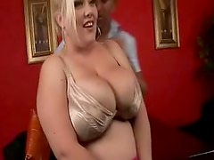 BBW Bunny Gets Her Pussy Licked