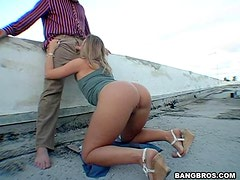 Brianna Shows Her Indecent Ass on the Streets