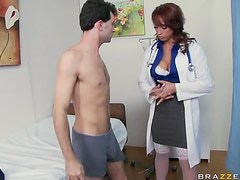 Lustful Nicki Hunter Loves Face Sitting Action and Double Penetrations