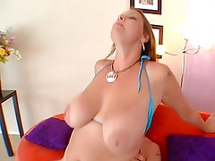 Boobs-Milf-Goddess Carrie doing young Guy