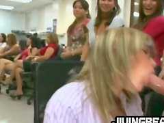 Girl at office gaggin on strippers dick