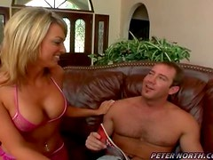 Sizzling hottie seduces and fucks her boss