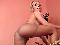 Epic fun time with a blonde