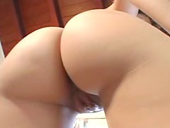 Big butt in thong oiled up